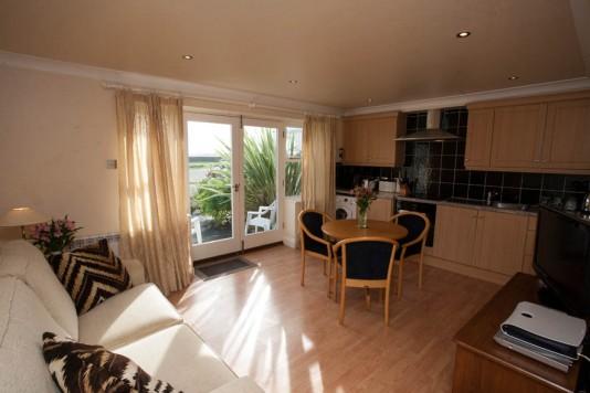 Picture: Brian Green - 17/10/2013 - Pembroke Bay Apartments